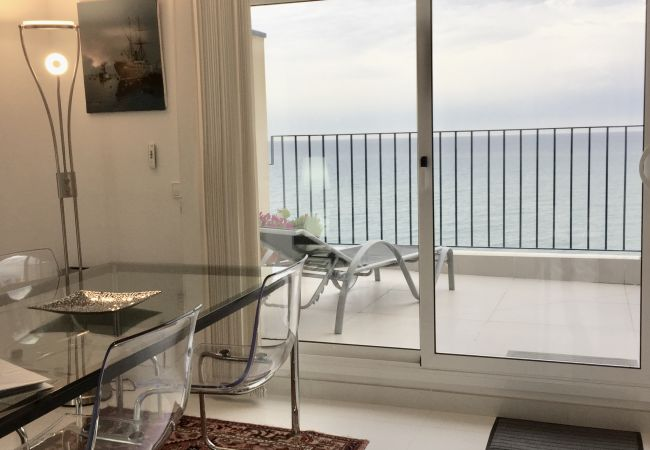 Appartement à Sitges - Marina - stunning duplex apartment with incredible views over the beach