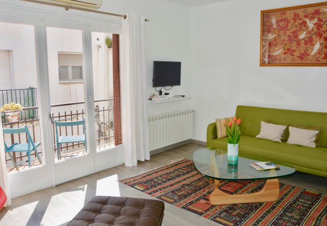 Apartment in Sitges - BELLE large 3 double bedroom apartment