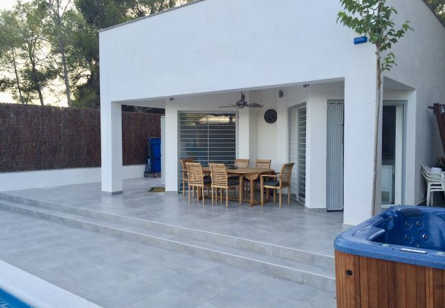 Villa/Dettached house in Sitges - Villa Alba Sitges great family house